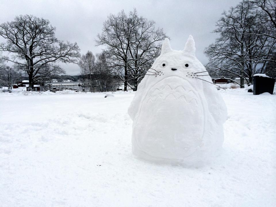 Totoro snowman / sculpture
